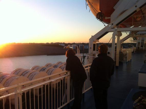 Bei der Hafeneinfahrt Trelleborg bekommen wir einen kleinen Vorgeschmack auf skandinavische Lichtstimmungen.