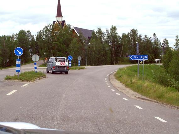 Nach Finnland links abbiegen.
