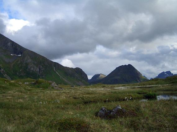 Die Berge hinterm Camp