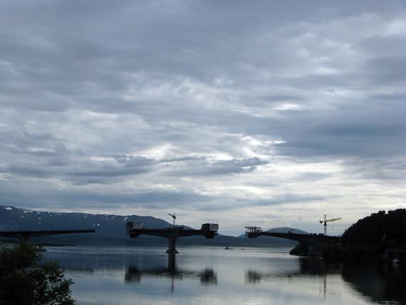 Ist schon beeindruckend, was die Norweger an Infrastruktur in die Landschaft zimmern.