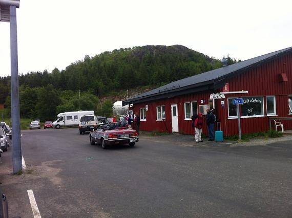 Teilnehmer der Baltic Sea Circle Rallye kommen von der Fähre