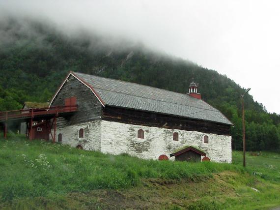 Knorrige Scheune bei Oppdal