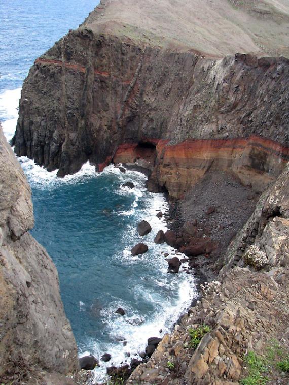 Gesteinsformation auf der Halbinsel São Lourenço