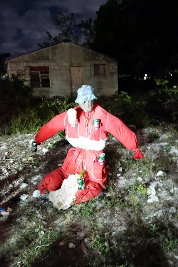Statt Feuerwerk: Diese Puppe stellt den Hausherren dar und wird an Silvester verbrannt, Playa Girón