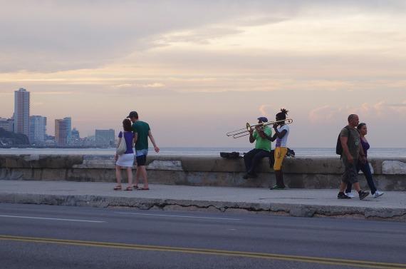 Straßenmusiker am Malecón, La Habana