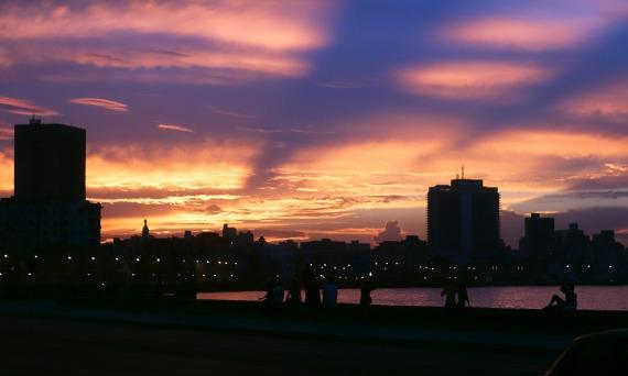 Noch ein Sonnenuntergang am Malecón, La Habana